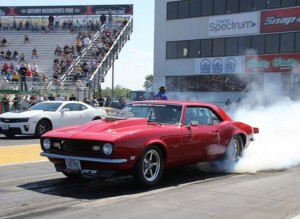 James McEntire 1968 Big Block Camaro at 2015 Hot Rod Drag Week - Burnout